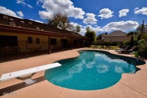 8228 N 15TH Avenue, Phoenix, AZ 85021