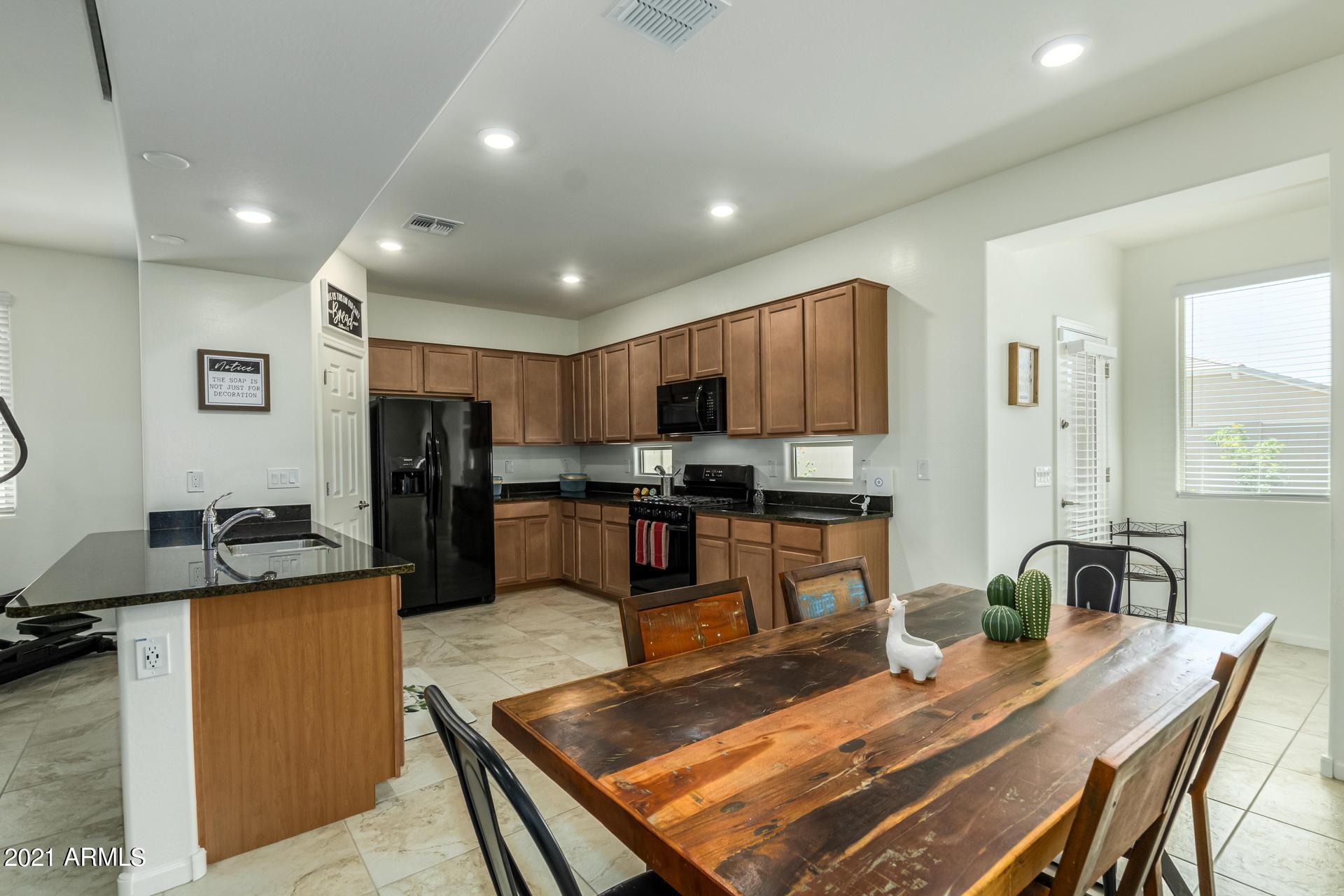 4141 W Bradshaw Creek Lane