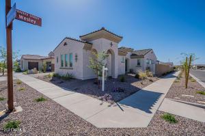 10207 E THATCHER Avenue, Mesa, AZ 85212