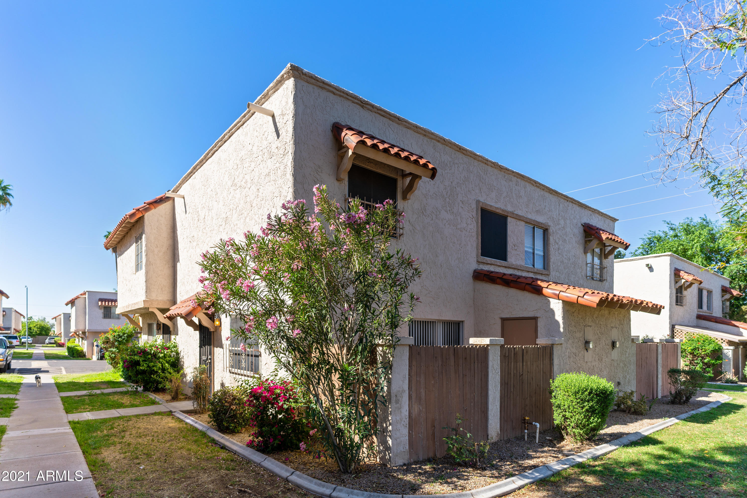If you are looking for a new home or investment property in a popular area near restaurants, shopping and easy access to the freeway, this may be the one for for you! This upgraded townhouse, in the Casas Del Norte subdivision, is a 2 bedroom, 1.5 bath gem. stainless steel appliances, dark quartz countertops, and subway tile backsplash. The outdoor patio sits off the living room and hosts the laundry closet with additional storage space. Enjoy a quiet community with lush trees and sparkling pool with mountain views.