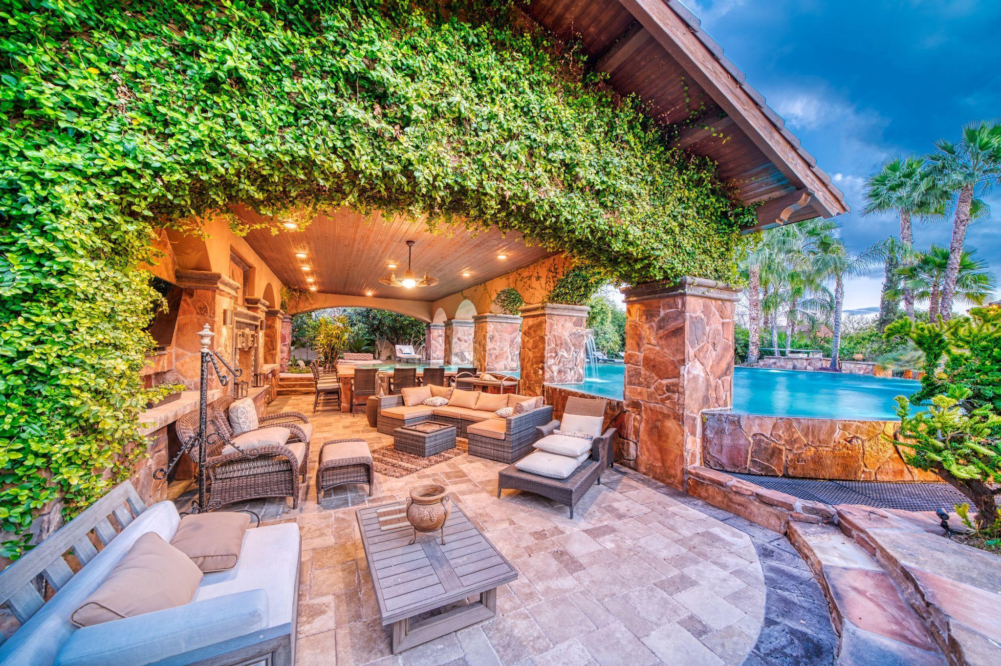 Large outdoor living area