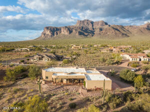 1158 S Deer Run Court, Apache Junction, AZ 85119