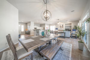 1520 W GLENHAVEN Drive, Phoenix, AZ 85045