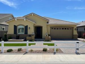 15289 W LINDEN Street, Goodyear, AZ 85338