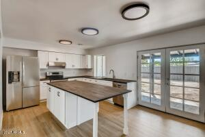1033 W HICKORY Street, Mesa, AZ 85201