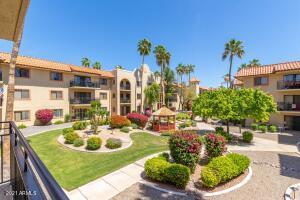 10330 W THUNDERBIRD Boulevard, A231, Sun City, AZ 85351