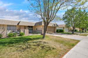 9618 W GREENHURST Drive, Sun City, AZ 85351
