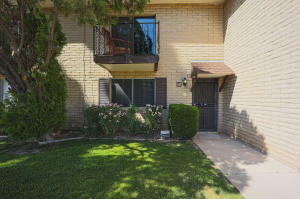 8135 N CENTRAL Avenue, 12, Phoenix, AZ 85020
