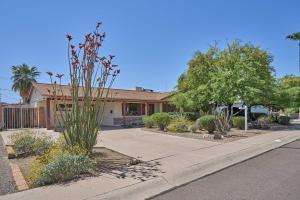41 E PAPAGO Drive, Tempe, AZ 85281