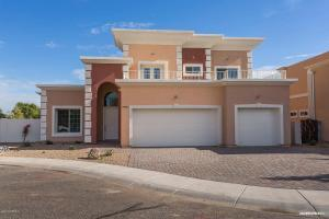 Large home. Minutes to grocery store, shopping and more.