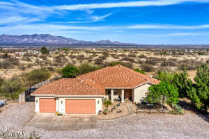 9093 S TEQUILA SUNRISE Road, Hereford, AZ 85615