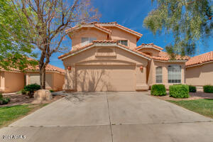 6564 E SADDLEBACK Street, Mesa, AZ 85215