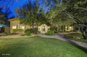 8565 E SWEETWATER Avenue, Scottsdale, AZ 85260