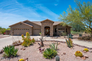924 S Broadway Lane, Apache Junction, AZ 85119