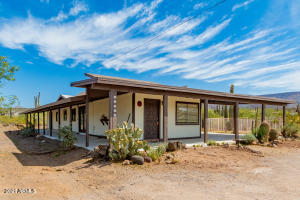 49215 N 3RD Avenue, New River, AZ 85087
