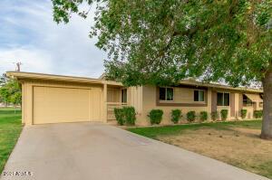 11019 N COGGINS Drive, Sun City, AZ 85351