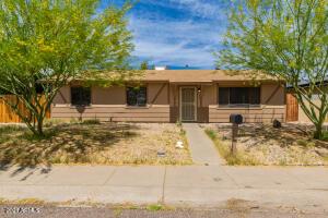 5334 W MAUNA LOA Lane, Glendale, AZ 85306