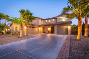 2477 E TONTO Drive, Gilbert, AZ 85298