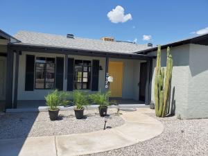 2920 N 8th Avenue, Phoenix, AZ 85013