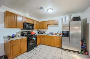 581 N COLORADO Street, Chandler, AZ 85225