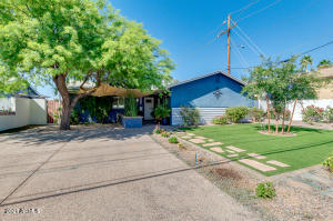 1046 E HIGHLAND Avenue, Phoenix, AZ 85014