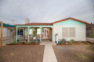 2213 N 17TH Avenue, Phoenix, AZ 85007
