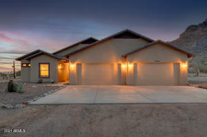 7593 W VIVIAN Place, Queen Creek, AZ 85142
