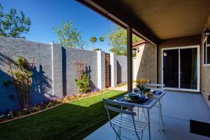 1051 S DOBSON Road, 101, Mesa, AZ 85202