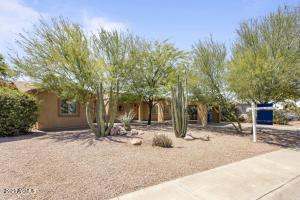 3907 E MARILYN Road, Phoenix, AZ 85032