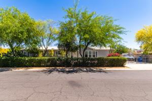 2725 E BEARDSLEY Road, Phoenix, AZ 85050