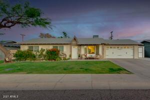 8701 E MARIPOSA Drive, Scottsdale, AZ 85251