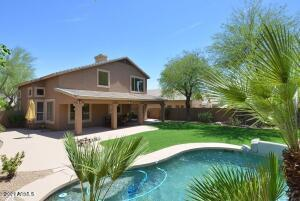 Oversized lot with great space to entertain or relax