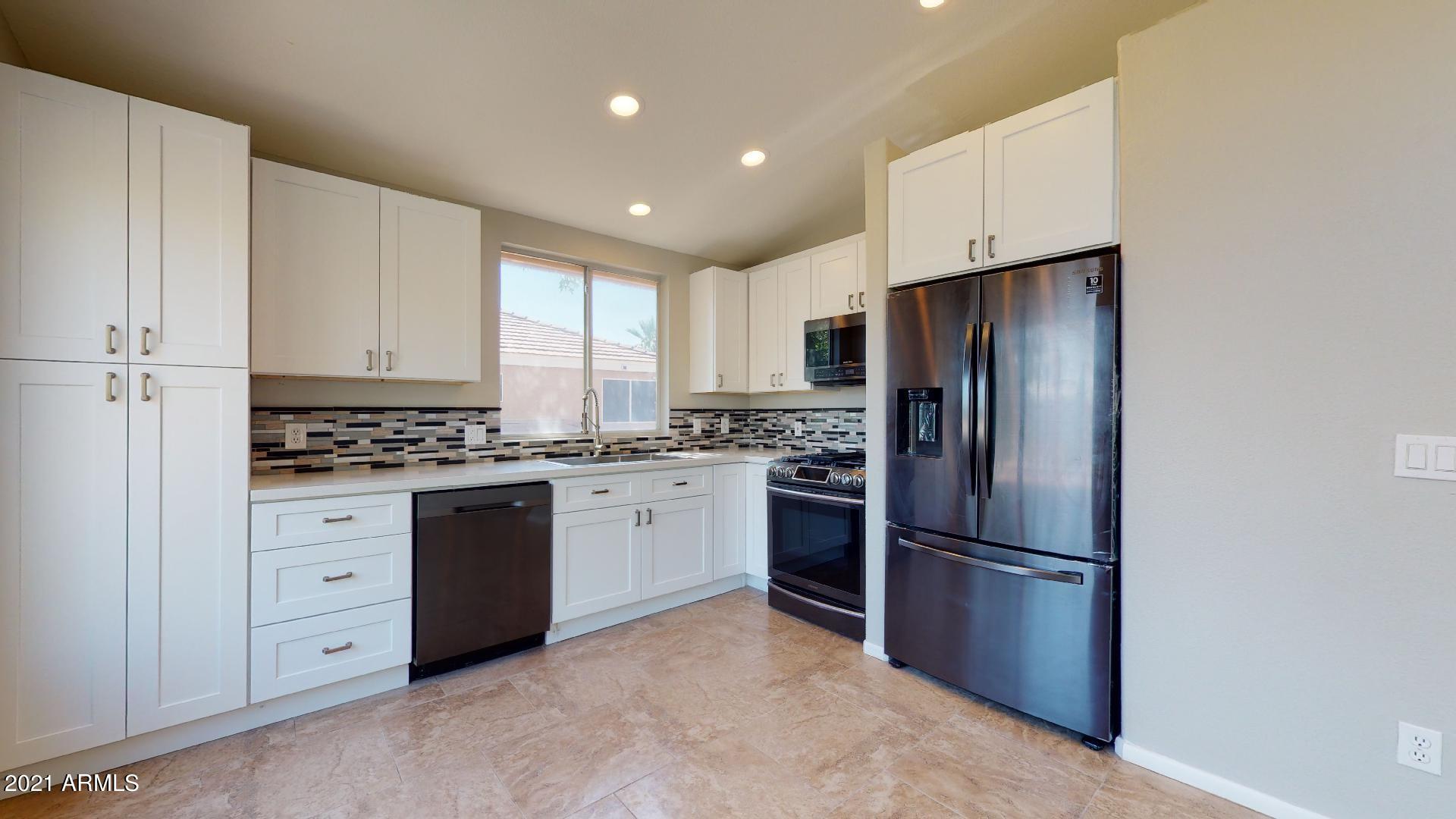 999 Leah Lane, Gilbert, Arizona 85233, 3 Bedrooms Bedrooms, ,2.5 BathroomsBathrooms,Residential,For Sale,Leah,6225620