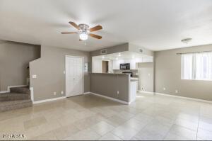 1211 N 47TH Place, Phoenix, AZ 85008
