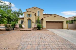 1188 W LAREDO Avenue, Gilbert, AZ 85233