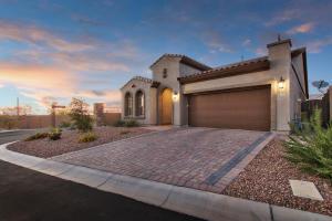 6916 E Quince Street, Mesa, AZ 85207
