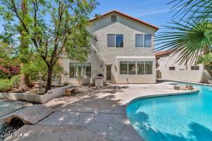 5050 E PASEO Way, Phoenix, AZ 85044