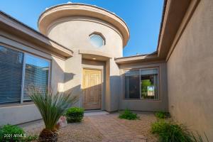 3711 E LOUISE Drive, Phoenix, AZ 85050