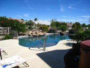 18819 N SUNCREST Court, Sun City West, AZ 85375