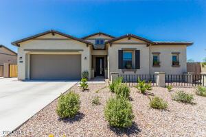 40638 N SPOTTED Lane, San Tan Valley, AZ 85140