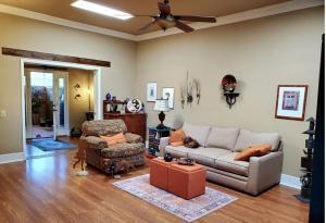 10917 W COGGINS Drive, Sun City, AZ 85351