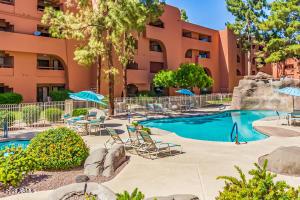 12212 N PARADISE VILLAGE Parkway S, 445, Phoenix, AZ 85032