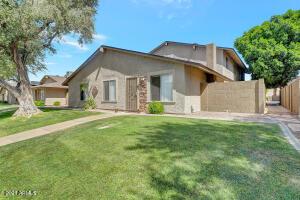 8544 E BELLEVIEW Street, Scottsdale, AZ 85257