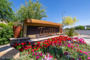 Guard Gated community of Toscana at Desert Ridge!