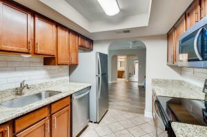 3825 E CAMELBACK Road, 139, Phoenix, AZ 85018