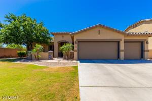 3965 E RAVENSWOOD Drive, Gilbert, AZ 85298