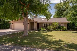8517 E HIGHLAND Avenue, Scottsdale, AZ 85251