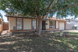8711 W ROMA Avenue, Phoenix, AZ 85037