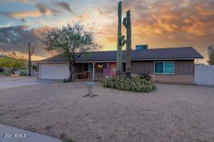 3016 E NORTHERN Avenue, Phoenix, AZ 85028