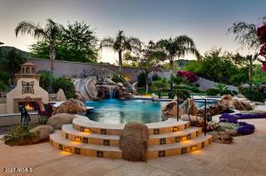8052 N RIDGEVIEW Drive, Paradise Valley, AZ 85253